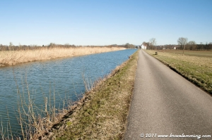 Cycling along the Rhein-Rhone canal