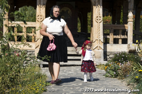 Traditional Romanian dresses