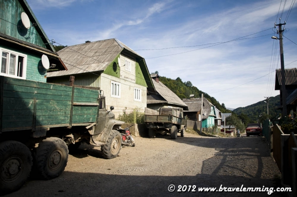On the road in the valley of Komsomorsk